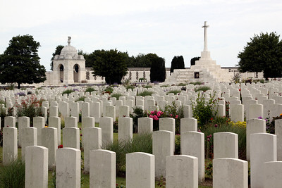Tyne Cot Cemetery showing the Cross of Sacrifice and the Memorial to the Missing.