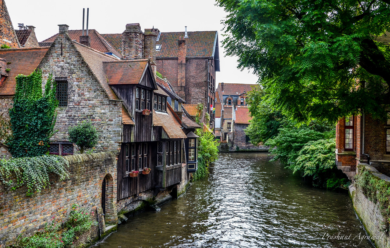 A view of canal and houses in Bruges