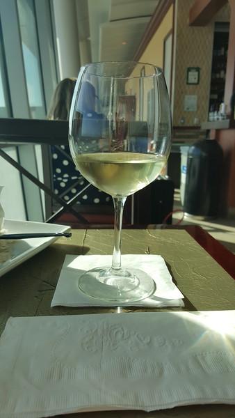 Airport vino