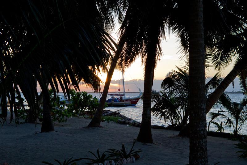 Getting toward sunset, Tobacco Caye