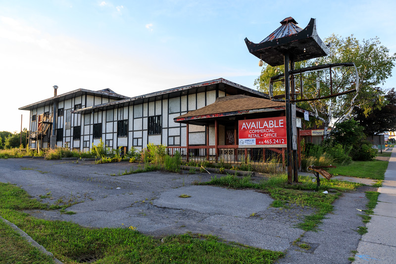 Former Sun Luck Gardens Restaurant on North Front Street for sale.