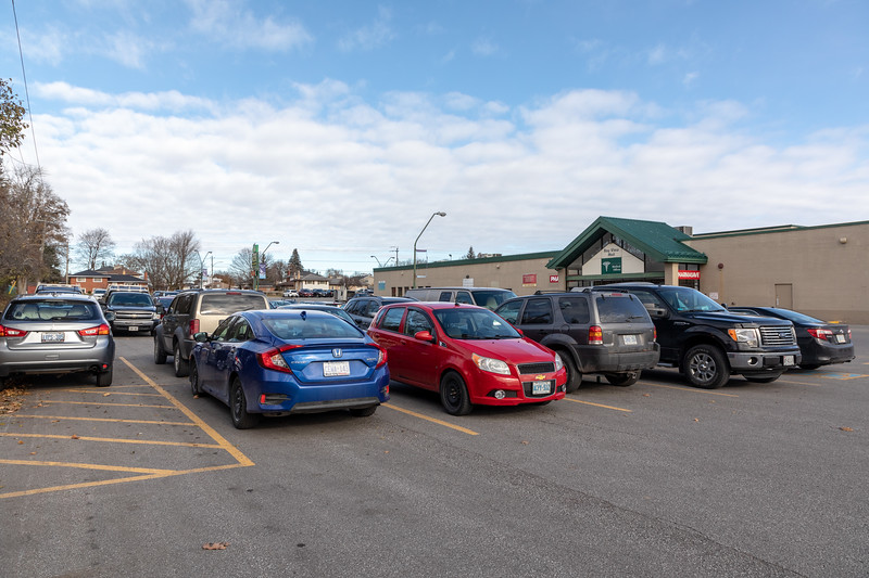 West parking lot at Bayview Mall