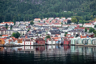 We are in Byfjorden approaching port of Bergen