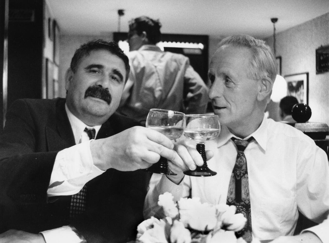 """Gute Gesellschaft"": Becker und Netzmann, Mutterhoppe, Nikolaiviertel, 1997"