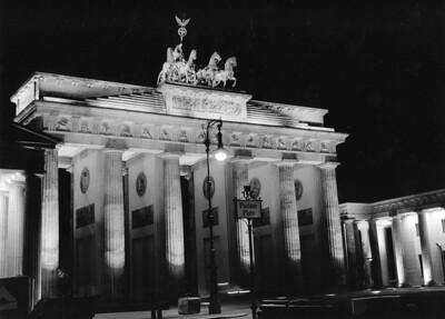Brandenburgertor. Pariserplatz