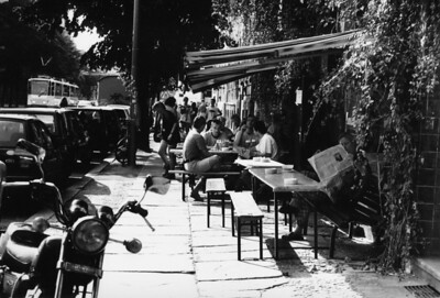 Straßencafé: Oranienburgerstraße