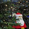 2013-12-09. Hey, Tomten! Stå still! Vänd dig inte om! Något kusligt tittar på dig! Berlin,[DEU]