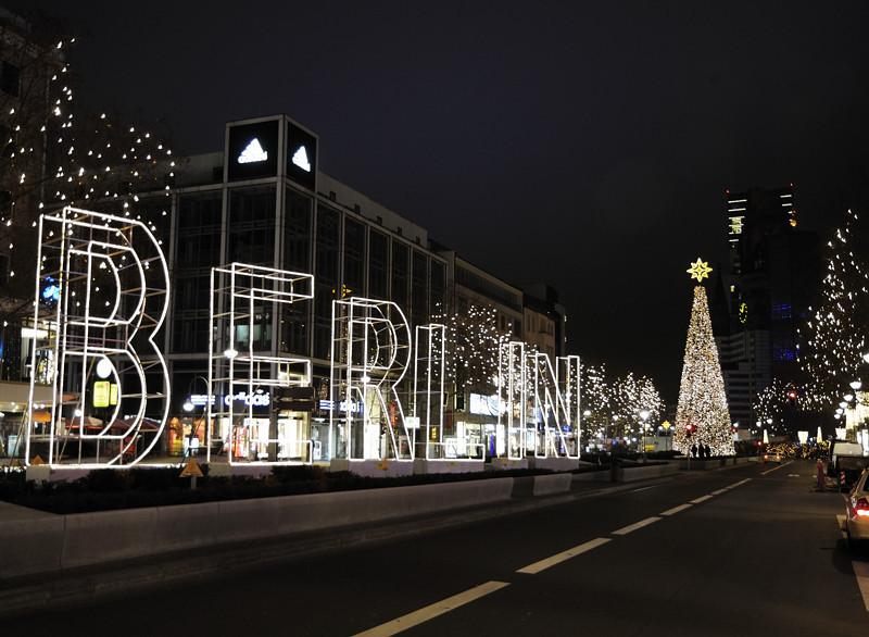 2013-12-12. Nämnda stad, i juletid. Berlin [DEU]