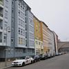 2013-12-12. U-bahn-linje rakt genom fastigheten - för moderna människor. Berlin [DEU]