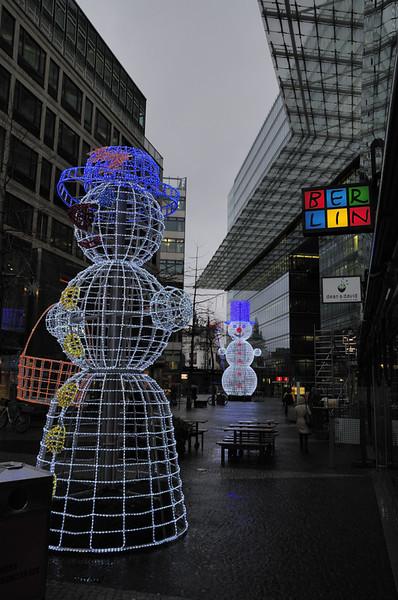 2013-12-09. Herr och fru Snögubbe, Berlin [DEU]