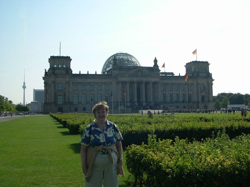 Susan in front of Reichstag