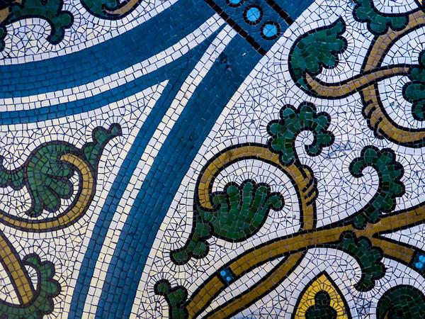 Gedächtniskirche, Bodenmosaik