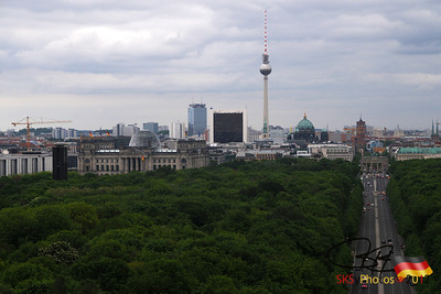 View to the east from atop the Siegessäule.