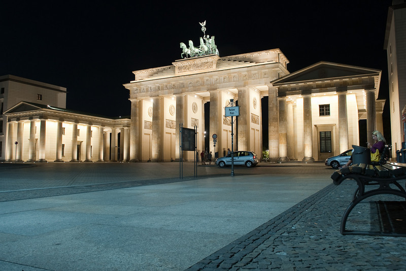 Brandenburg gates at night