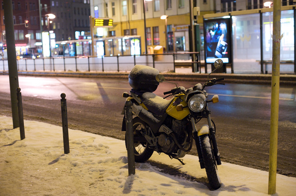 parked icy street Berlin  251