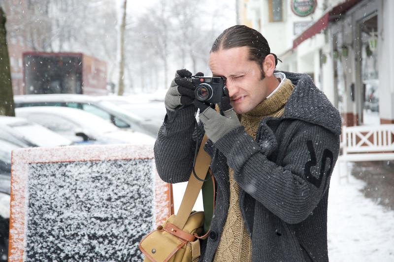 Jon with Leica  284