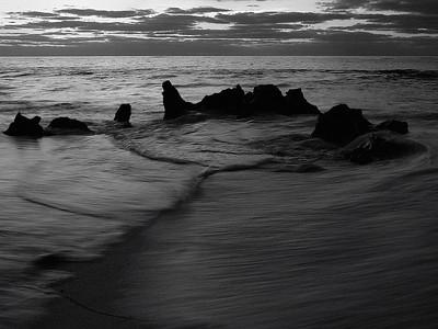Bermuda: Sunrise on Marley Beach / Lever du jour sur Marley Beach.