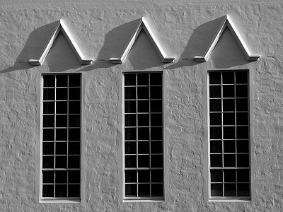 B&W details of City Hall in Hamilton Bermuda / Detail de City Hall, Hamilton, Bermudes