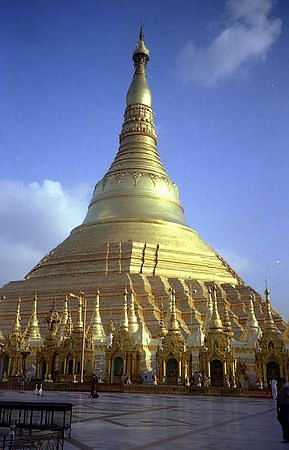 Schwedagon Pagoda in Yangon, one of the most sacred pagodas in Burma.  After 1 week in Bangkok I finally flew into Yangon with a nasty hangover.  to my utter horro I discovered that you oculd no longer change travellers cheques in Burma and they don't use take credit cards so I was left with only the cash I had on me.  Fortunately I met a lovely Austrian lady, Maria, who lent me $100.  I spent a few days in Yangon where I saw very few tourists but was astounded by the beauty of the Schwedagon Pagoda.  Stayed in a glorious old wooden guesthouse - thanks to one of Maria's friends recommendations.