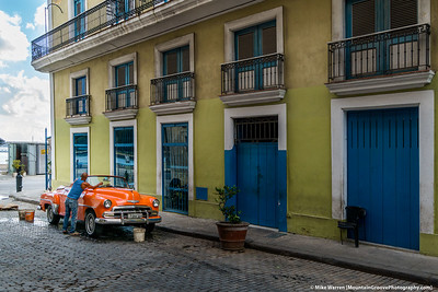 One of the amazing old American cars in Havana!