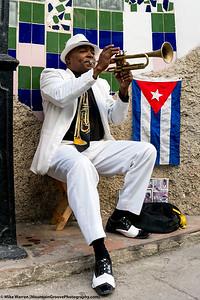 Street Musician, and Cuban flag!