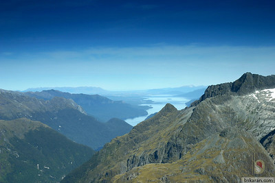 Fly to Milford Sound : New Zealand.