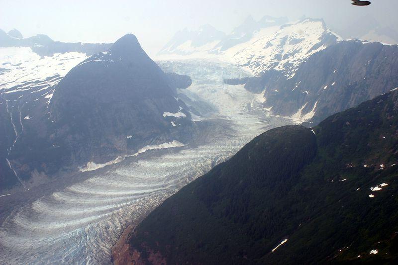 GLACIER AT JUNEAU ALASKA ; JUNE 2004