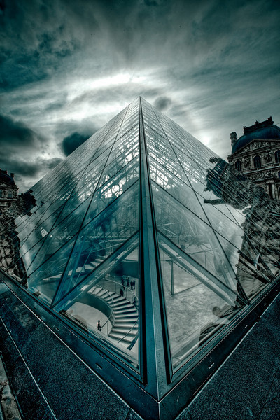 An HDR Shot (+/- 2 EV) of the Entrance of the Louvre. With toning in lightroom.