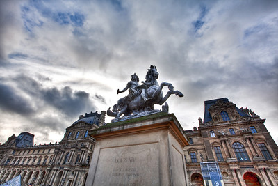 HDR shot of a Statue in the courtyard of the Lourve. +/-2 ev.