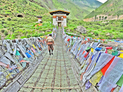 Iron Chain Bridge, Tachog Lhakhang