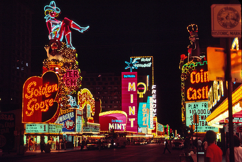 026 Las Vegas Fremont St01