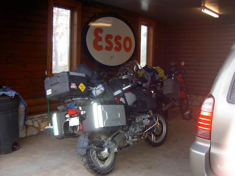 The Bikes packed and ready to go at Tyrebiters place