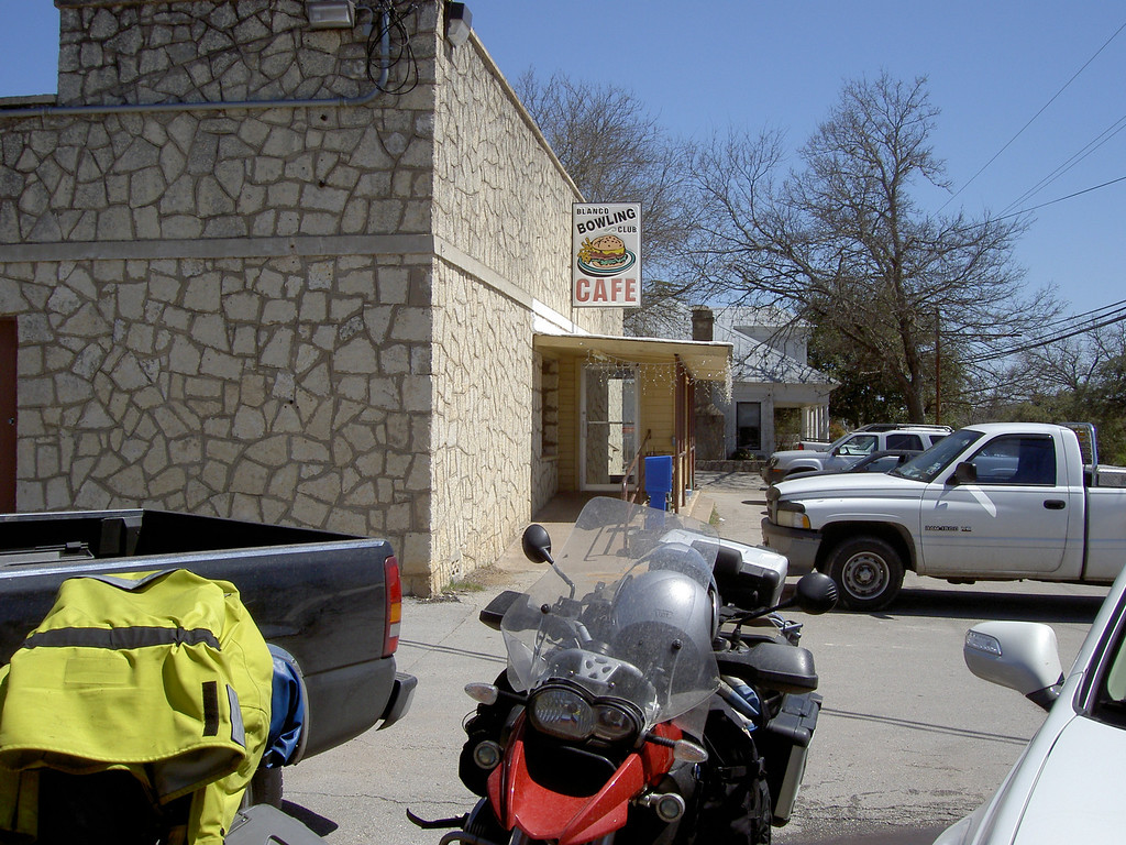 And we jump to Blanco Tx. Great little place to eat. As told to us by  Gene Gaida from Motodiscovery... whom we happened to bump into by chance, as he saw us on the side of the road with maps out. He couldn't resist stopping to talk to us. Our lucky day!