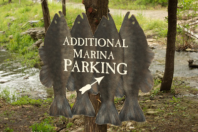 I just loved the hanging fish signs which were used all over the Big Cedar Lodge property.  Wish I could find one to purchase to use at home on Lake Shetek.