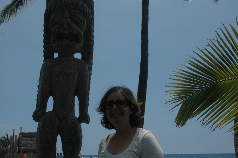 Sherri and one of the ki'i.