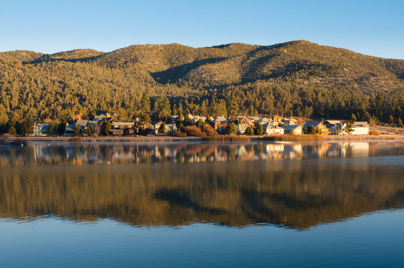 "<span id=""title"">Lakeside Homes</span> Taken just after sunrise."