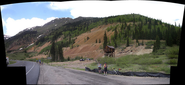 look for the little yellow riders up the grade - unfortunately its only 1/3 of the way up