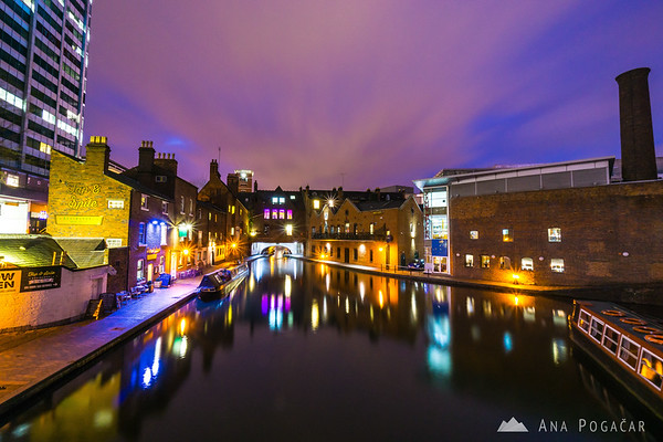 The canals of Birmingham at night