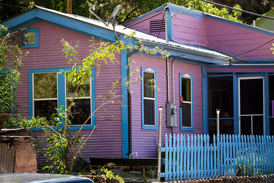 Pink blue hs for rent 1028 cf