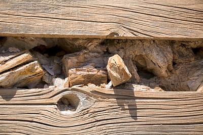 Rocks & wood 1004