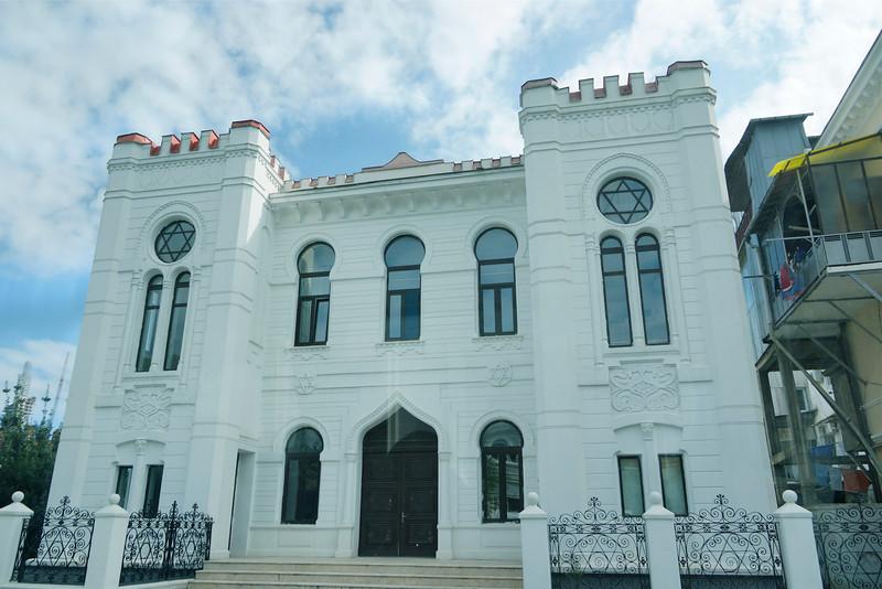 The Batumi Synagogue (Georgian: ბათუმის სინაგოგა, batumis sinagoga) is a synagogue in Batumi, Adjara, Georgia. It was built by Semyon Vulkovich in 1904.  http://en.wikipedia.org/wiki/Batumi_Synagogue.  _DSC4788