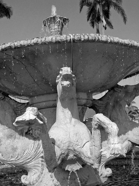 Horses carved from stone in Fountain - Palm Beach - Florida