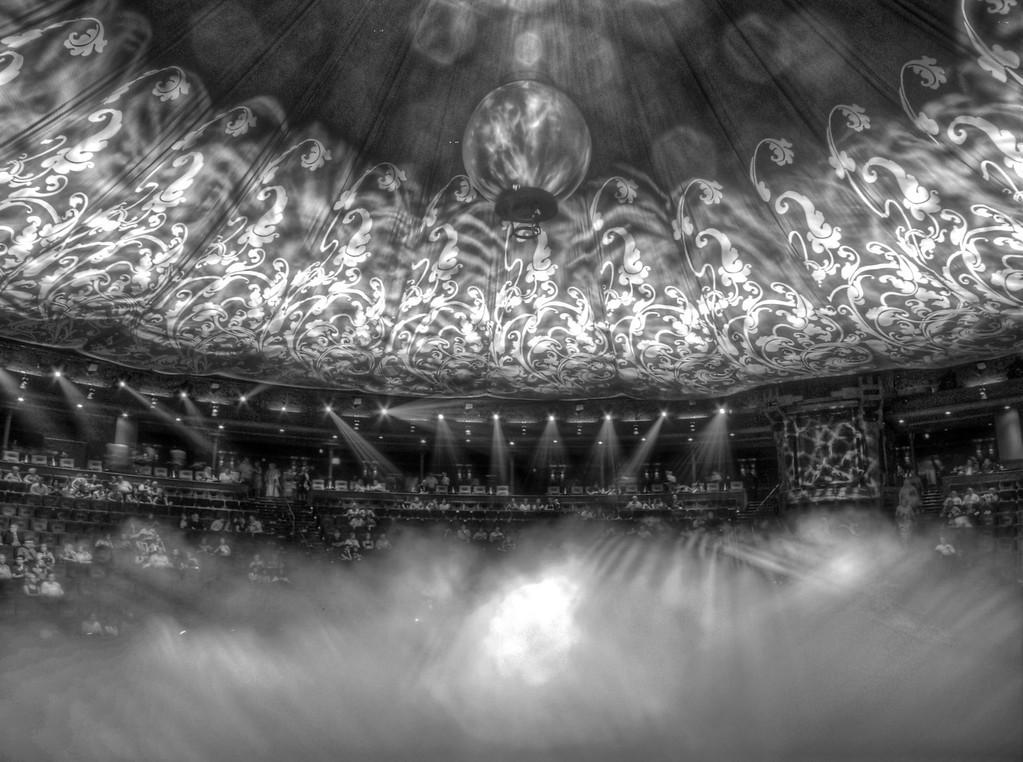 cirque du soleil - Le Reve Staging