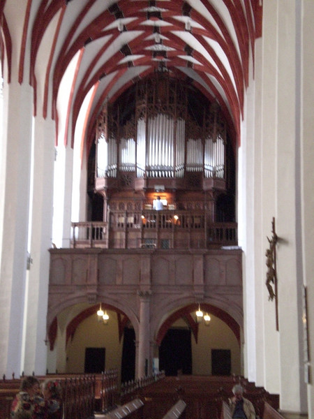 The organist was practicing in the Thomaskirche when we peeked in.