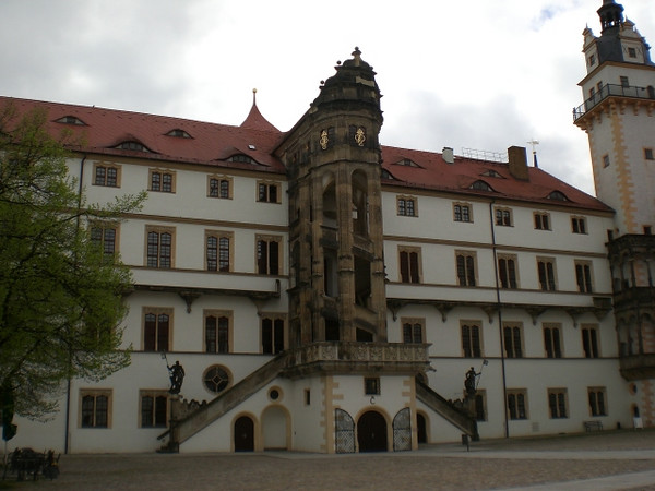The castle in Torgau is the site of one of the first chapels designed as a Protestant place of worship from the beginning. Martin Luther helped with the design.
