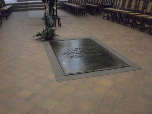 The grave of Johann Sebastian Bach in the chancel of the Thomaskirche in Leipzig.