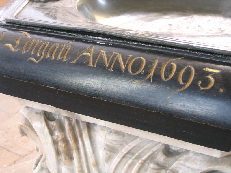 Close-up of the font, anno 1693.
