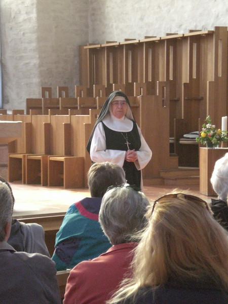The abbess of Cloister Helfta, Sister Mary Assumpta, told us about how the community of Cistercian sisters came to be here.