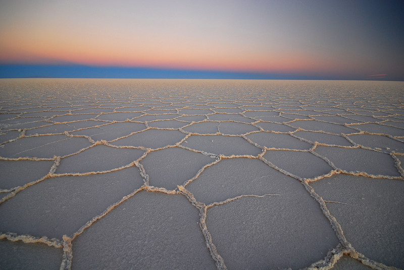 The ever changing light of the Salar de Uyuni. Time 19:27