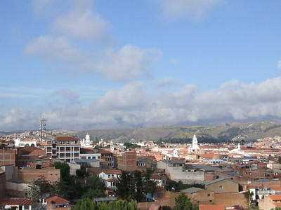 Welcome to Sucre, the capital of Bolivia. Here you can see the rooftops of the centre like I could see it every day I went from Mama Vikis place to my language school (Fox language school).